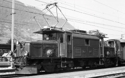 "RhB Ge 6/6 I 404 ""crocodile"" with roof resistors"