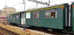 zb Historic A 111 centre entrance coach green