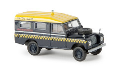 Land Rover 109 geschl. HM Coastguard von Starmada (GB)