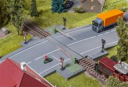 Railway gate with drive parts