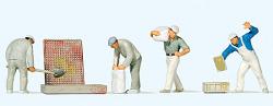 Bauarbeiter beim Verputzen