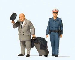 LGB Reisender. Polizistin. Österreich